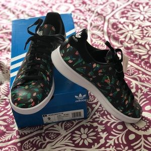 Stan Smith Dainty Floral Adidas Sneakers